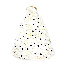 pouf chambre fille pouf marrakech eclairs noir jaune nobodinoz pour chambre enfant