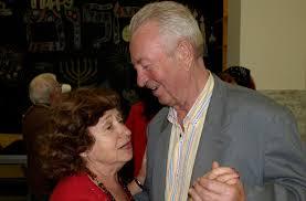 kiev s new jcc celebrates marriage of elderly who met there