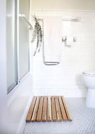 Spa Bathroom Rugs Diy Cedar Bath Mat Bath Mat Modern Baths And Bath
