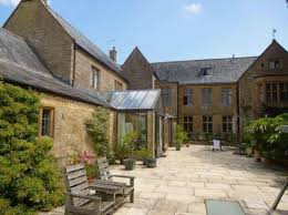 montacute court country holiday house