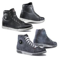 best street riding boots saving your feet with motorcycle riding boots storiestrending com