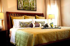 how to place throw pillows on a bed smart throw pillows bedroom traditional ideas taking throw pillows