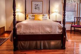 Red Oak Bedroom Furniture by 23 Beautiful Bedrooms With Wood Floors Pictures Benefits And
