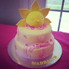 maddalyns first birthday cake you are my sunshine maddalyn party