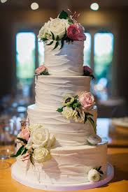 best wedding cakes flowers for a wedding cake best 25 floral wedding cakes ideas on