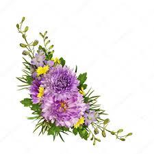 fiori viola fiori viola e gialli d angolo a disposizione foto stock
