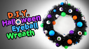 diy halloween eyeball wreath easy halloween decoration ideas