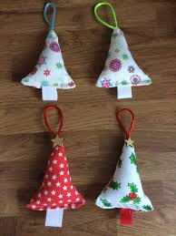 handmade christmas 70 easy christmas ornaments you can t resist trying