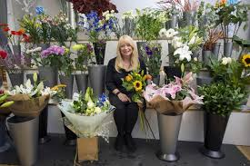 strangers flowers hearted edinburgh florist leaves lonely bouquets in random