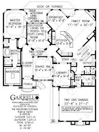 home plans with courtyards courtyard style home plans 2 bedroom craftsman home plan courtyard