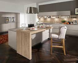 cuisine en dur cuisine contemporaine en naturelle en plaqué bois avec