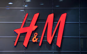 H M With Store Traffic H M Throws Resources Digital