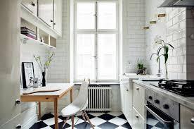 cuisine carrelage metro decoration carrelage metro blanc cuisine table bois chaise eames