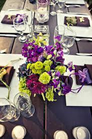 Schlafzimmer Deko Hochzeitsnacht Tischdeko Für Hochzeit Blumen In Grün Und Lila Zukünftige