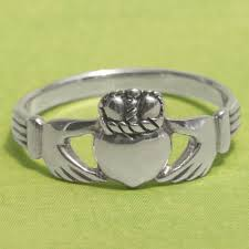 claddagh ring silver traditional claddagh ring at gryphon s moon