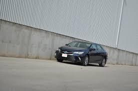 lexus es300h vs toyota camry hybrid 2015 toyota camry hybrid review autoguide com news