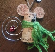 adorable christmas mouse made of wine corks christmas stuff