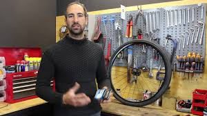 comment changer chambre à air vélo comment changer une chambre à air sur votre vélo