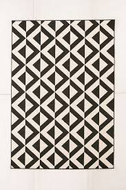 Black And White Outdoor Rug Design Ideas Black And White Indoor Outdoor Rug From