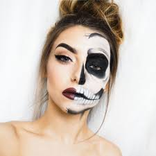 half face halloween makeup ideas half skull halloween makeup tutorial cocochicblog batwomen
