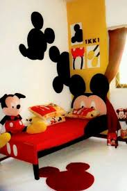 chambre enfant mickey les 13 meilleures images du tableau mickey minnie room ideas sur