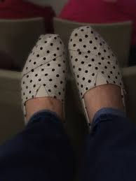 toms black friday high five for friday polka dot toms and halloween wreaths
