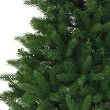 the difference between artificial pe pvc trees
