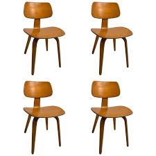 Bentwood Dining Chair Set Of Four Blonde Bent Plywood Dining Chairs By Thonet For Sale