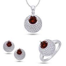 diamond set 3 trendy garnet diamond set by oura in 18kt purity velvetcase