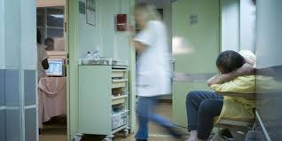 bureau des internes aphp futur médecin bac 10 80 heures par semaine 2 000 euros