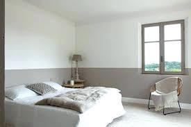 peindre une chambre avec deux couleurs comment peindre une chambre en deux couleurs conseils peinture