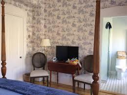 cape cod accommodations killarney room liberty hill inn