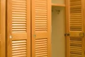 Louvered Closet Doors How To Build A King Size Headboard Using Louvered Closet Doors