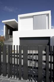 modern horizontal home fence designs with minimalist house and