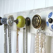 Jewelry Storage Solutions 7 Ways - best 25 necklace storage ideas on pinterest diy necklace holder
