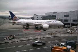 United Airline Stock United Stock Drops After Passenger Dragged Off Plane Videos Money