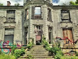 the suburban paris ghost town