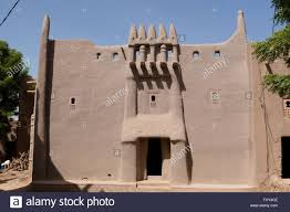 adobe house traditional adobe house in sudanese architecture style in djenne