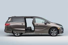 2018 Honda Odyssey First Look Review Motor Trend