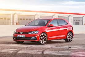 volkswagen gti 2017 2017 volkswagen polo gti features 2 0 litre turbo power carbuyer