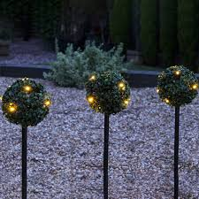 set of 3 solar powered topiary stake lights