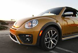 2017 volkswagen beetle overview cars 2017 vw beetle dune cabriolet road test review by ben lewis