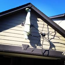 giant spider decorations for halloween 25 halloween outdoor decorations that will definitely make the
