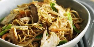 comment cuisiner des nouilles chinoises porc sauté aux nouilles chinoises recettes femme actuelle