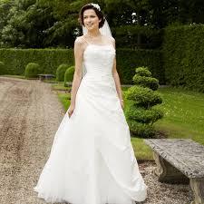 robe de mari e pas cher princesse robe de mariage princesse ivoire fines bretelles clem