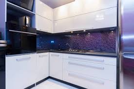 excellent examples of patterned splashbacks for cookers interior