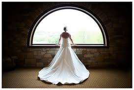 wedding photographers des moines amelia and justin married west des moines iowa glen oaks country