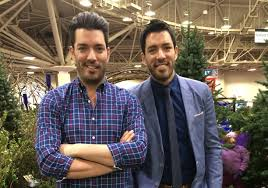 property brothers u0027 jonathan and drew scott draw thousands in