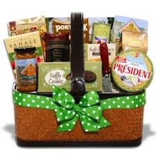 cheese baskets best 25 cheese gift baskets ideas on christmas