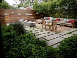 Modern Backyard Fence by Easy Low Maintenance Modern Backyard Modern Low Maintenance